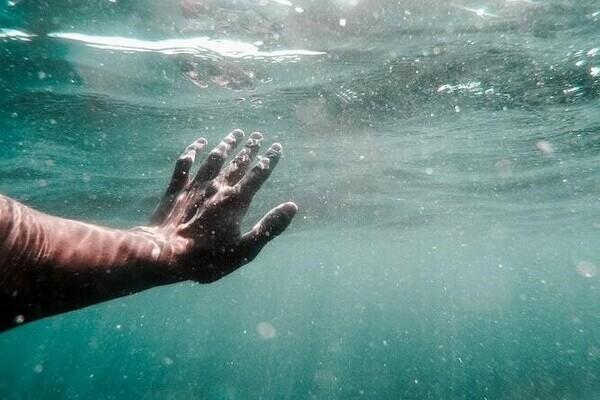 mano nel mare